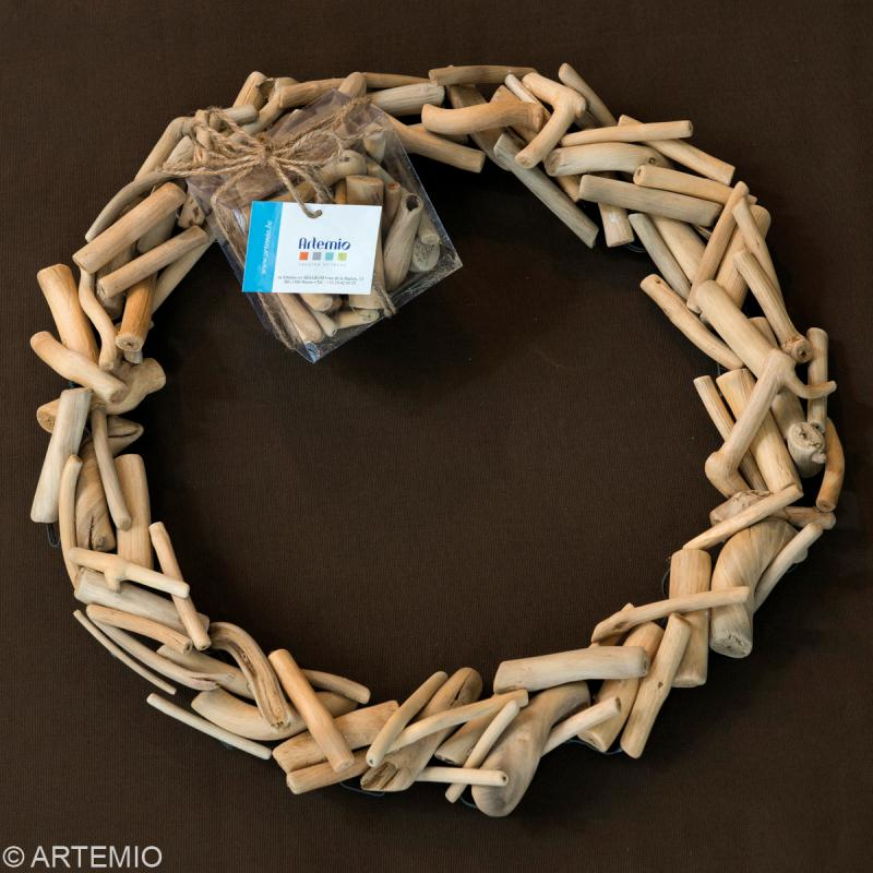 Fabriquer une couronne de no l en bois flott id es et for Couronne de noel bois flotte