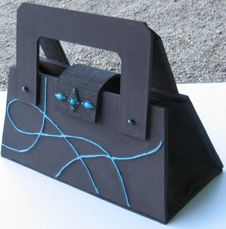 sac en carton cr ations techniques diverses de n 18839 vue 7356 fois. Black Bedroom Furniture Sets. Home Design Ideas