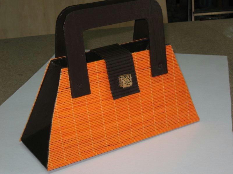 sac main en carton cr ations techniques diverses de n 18850 vue 5081 fois. Black Bedroom Furniture Sets. Home Design Ideas