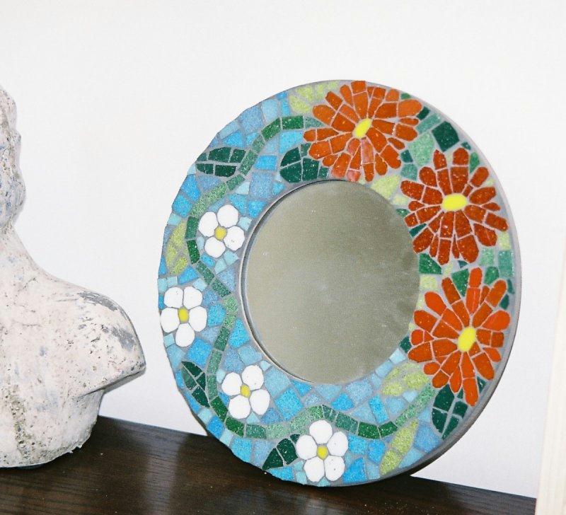 Miroir rond motif floral cr ations mosa que de zen n for Mosaique miroir