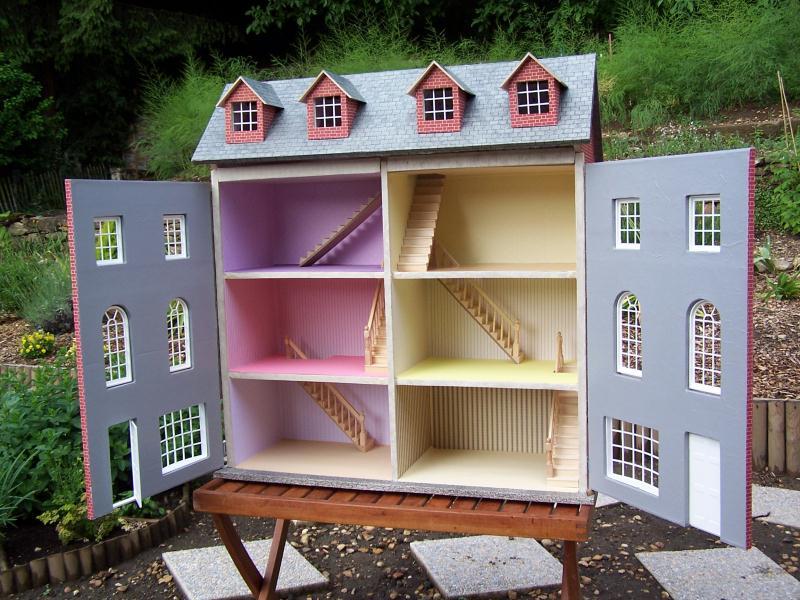 maison de poupee cr ations meuble en carton de maison carton n 27085 vue 6154 fois. Black Bedroom Furniture Sets. Home Design Ideas