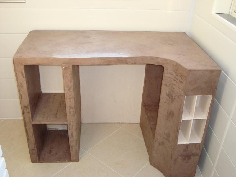 bureau en carton cr ations meuble en carton de cymao n. Black Bedroom Furniture Sets. Home Design Ideas