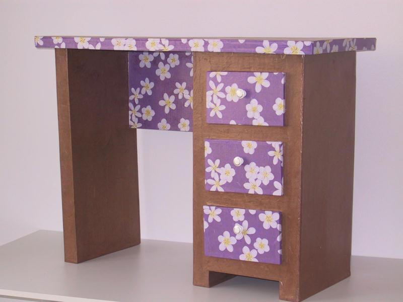 Meuble en carton cr ations meuble en carton de maison for Creation meuble carton