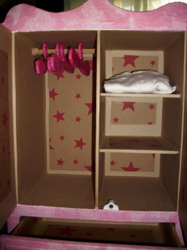 armoire cr ations meuble en carton de marjorie3824 n 27997 vue 6365 fois. Black Bedroom Furniture Sets. Home Design Ideas