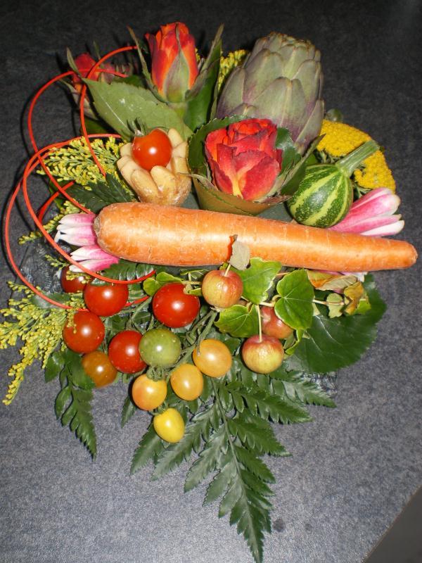 Fleurs et l gumes cr ations art floral de babiche n 28518 vue 4889 fois - Composition florale avec fruits legumes ...