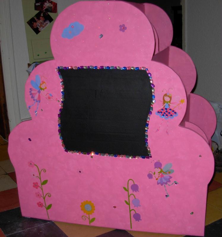 tag re recto verso pour les livres cr ations meuble en carton de liliacr66 n 28828 vue 1625. Black Bedroom Furniture Sets. Home Design Ideas