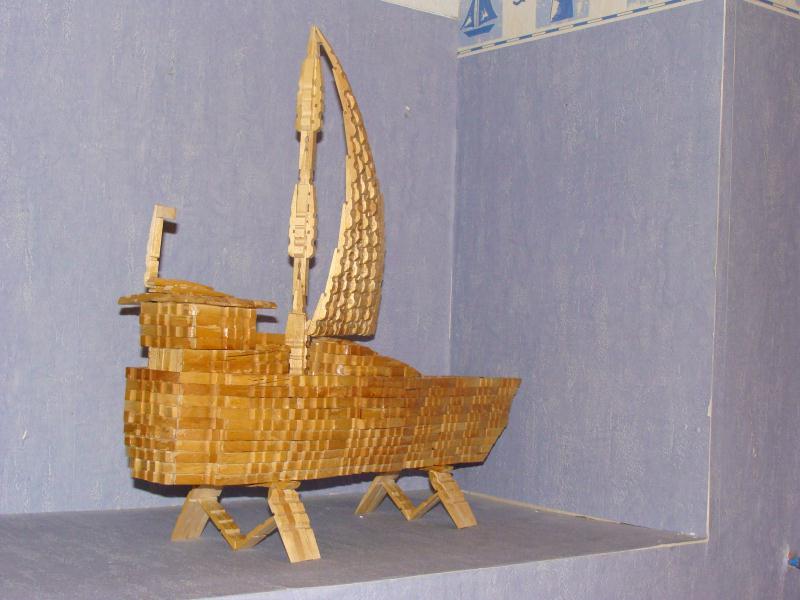 bateau en pinces linge cr ations cr ation en pinces linge de mac gyver n 29324 vue 10310. Black Bedroom Furniture Sets. Home Design Ideas