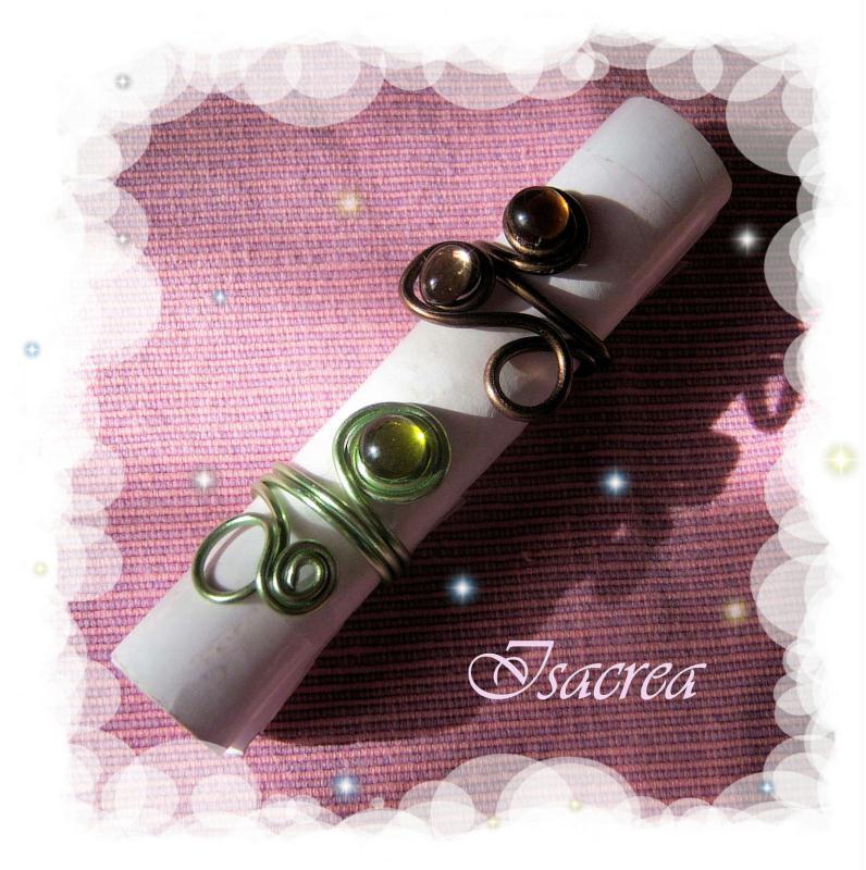 bagues en fil de fer et cabochons de verres cr ations perles et bijoux de isa crea n 30238. Black Bedroom Furniture Sets. Home Design Ideas