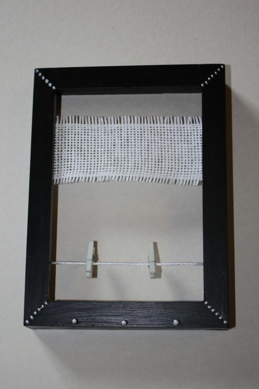 cadre porte bijoux avec rubans et pinces cr ations home d co et miroir de sophieyan n 30609. Black Bedroom Furniture Sets. Home Design Ideas