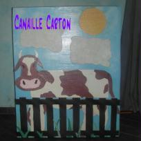 Commode vache en carton 