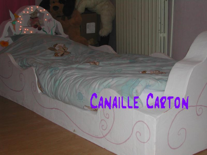 lit de princesse en carton et guirlande lumineuse cr ations meuble en carton de canaillecarton. Black Bedroom Furniture Sets. Home Design Ideas