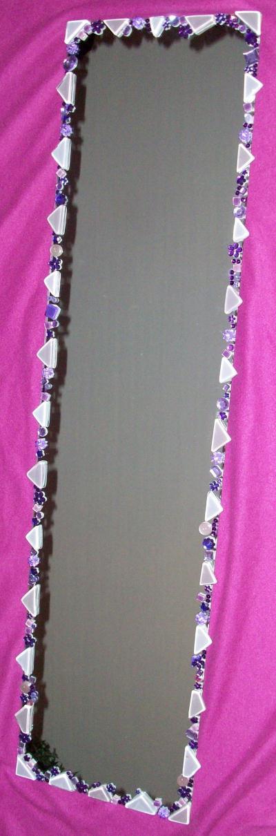 Miroir encadr mauve avec perles verres et strass for Miroir encadre