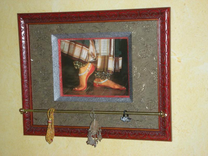 cadre porte bijoux pieds de danseuse cr ations encadrement de anne1963 n 34211 vue 1446 fois. Black Bedroom Furniture Sets. Home Design Ideas