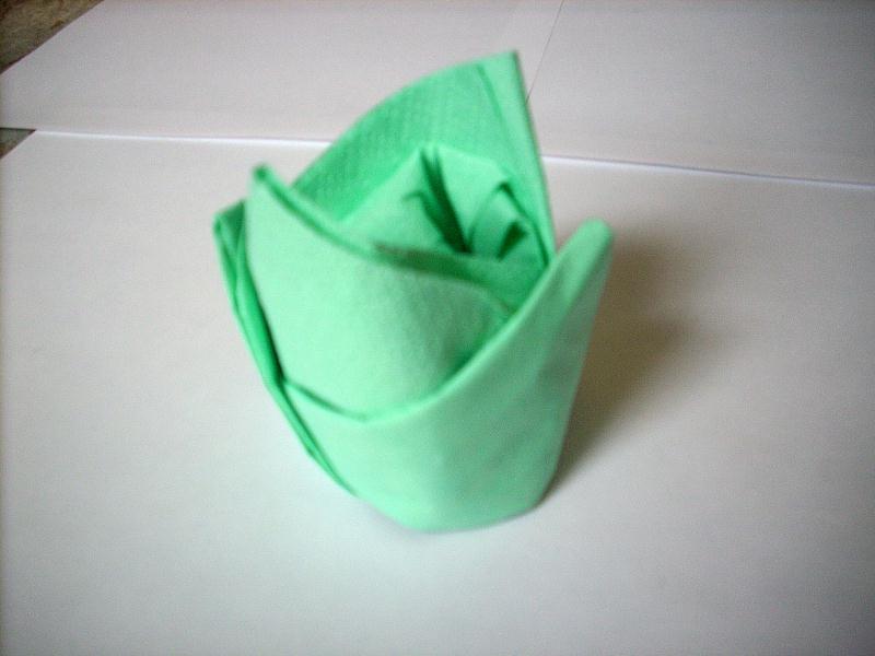 pliage serviette tissu mariage perfect pliage de serviette en forme de fleur with pliage. Black Bedroom Furniture Sets. Home Design Ideas