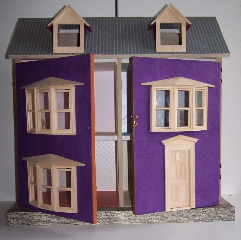 Maison violette de poup e giverdy en carton recycl for Maison violette