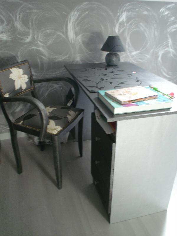 bureau customis gris cr ations peinture multi supports de canoue n 38793 vue 2459 fois. Black Bedroom Furniture Sets. Home Design Ideas