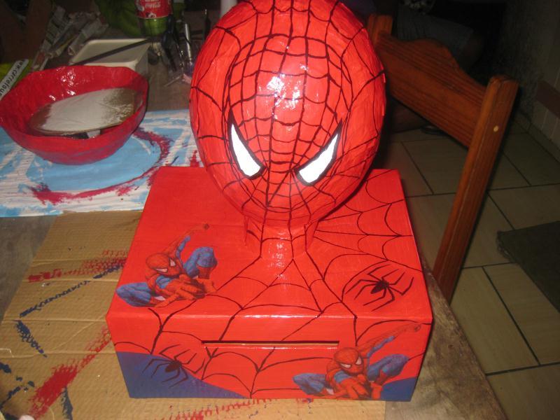 T te de spiderman en carton et papier mach cr ations - Meuble en papier mache ...