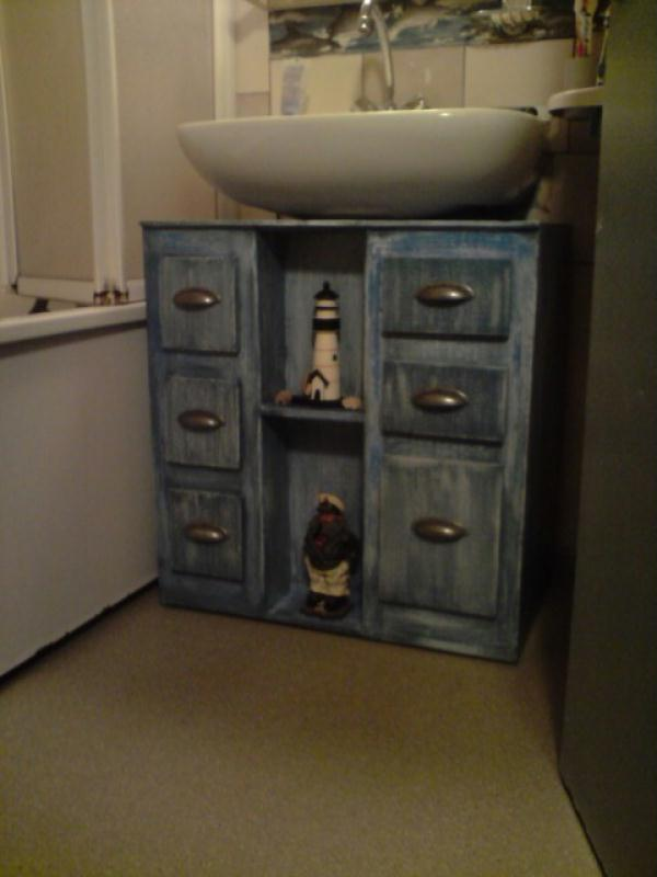 meuble de salle de bain marin cr ations meuble en carton de marjorie3824 n 39513 vue 4573 fois. Black Bedroom Furniture Sets. Home Design Ideas