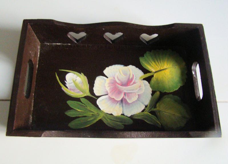 Peinture de rose sur plateau en bois  Créations Peinture multi  ~ Peinture Bois De Rose