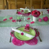 Table fleuri vert et rose photo 2