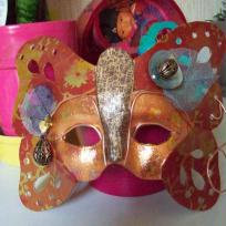 Masque mtal et flamboyant