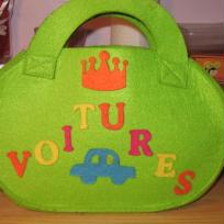 Sac en feutrine pour ranger des petites voitures
