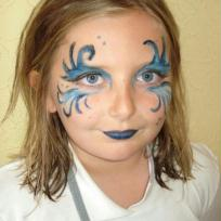Maquillage bleu pour enfant