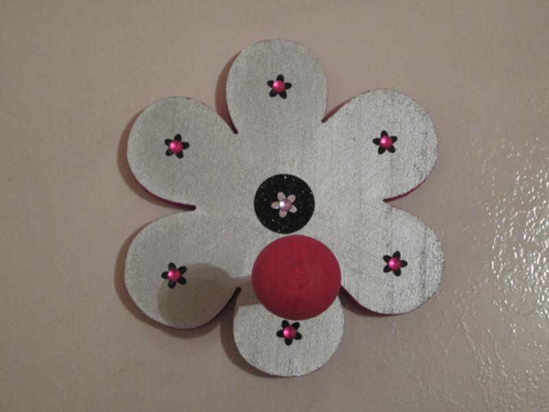 Cr ation porte manteau fleur pour une chambre de petite fille cr ations chambre d 39 enfant de - Porte manteau chambre fille ...