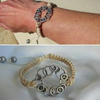 Cration bracelet macrame - en cuir et breloque de mtal