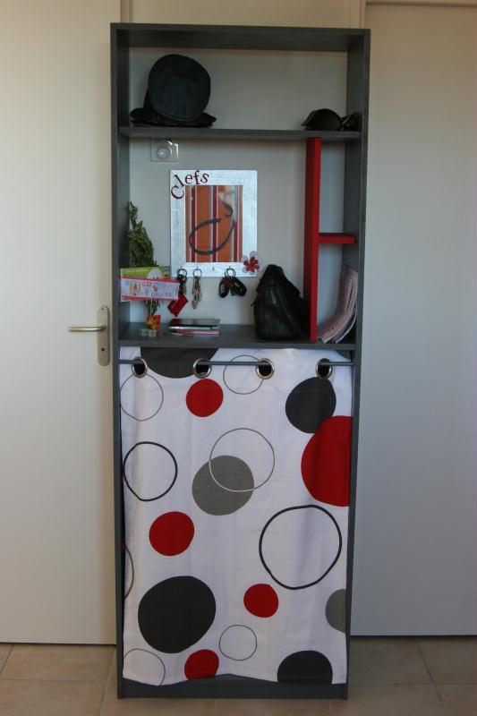 meuble chaussures sur mesure gris et rouge fait maison cr ations home d co et miroir de. Black Bedroom Furniture Sets. Home Design Ideas