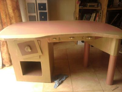 Cr ation meuble en carton pour ado qui plait aussi aux for Creation meuble carton