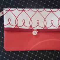 Pochette rouge pour les filles