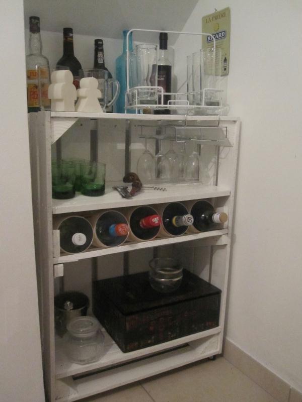 cr ation mini bar en bois peint en blanc cr ations techniques diverses de maminette n 47500. Black Bedroom Furniture Sets. Home Design Ideas