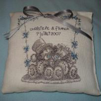 Création point de croix : Coussin d'alliances Me to You