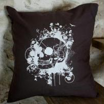 Cration d'une housse de coussin tte de mort - Gris et blanc