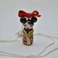 Cration collier en pte fimo : ma petite poupe kokeshi geisha 