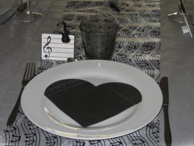 d coration de table pour anniversaire th me musique. Black Bedroom Furniture Sets. Home Design Ideas