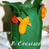 pot a crayon nature